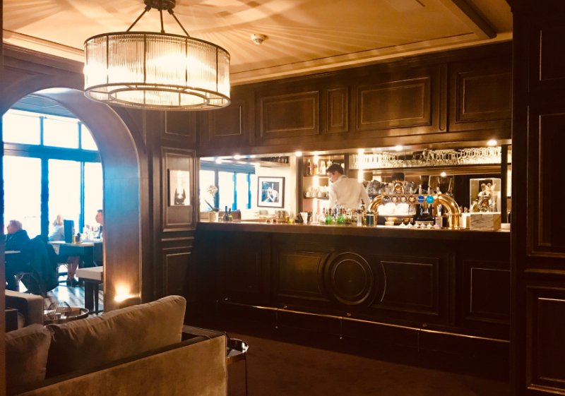Bars Le Touring St Raphaël